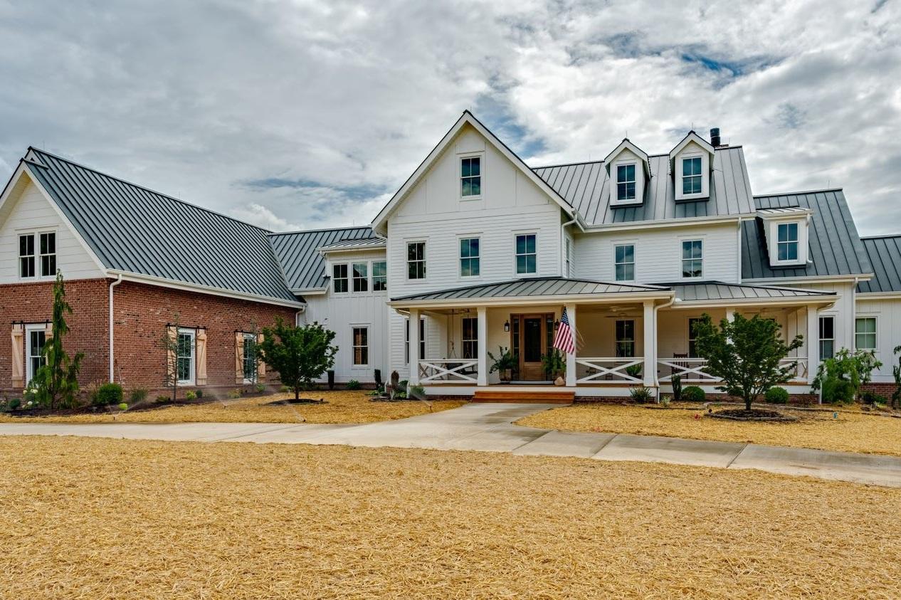 Leiper's fork custom residence