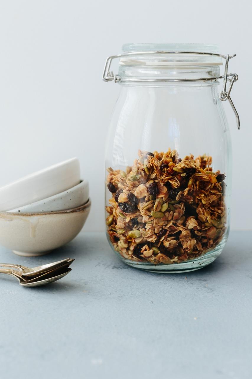 Pepita and coconut granola Vy Tran (2 of 13) (853x1280).jpg