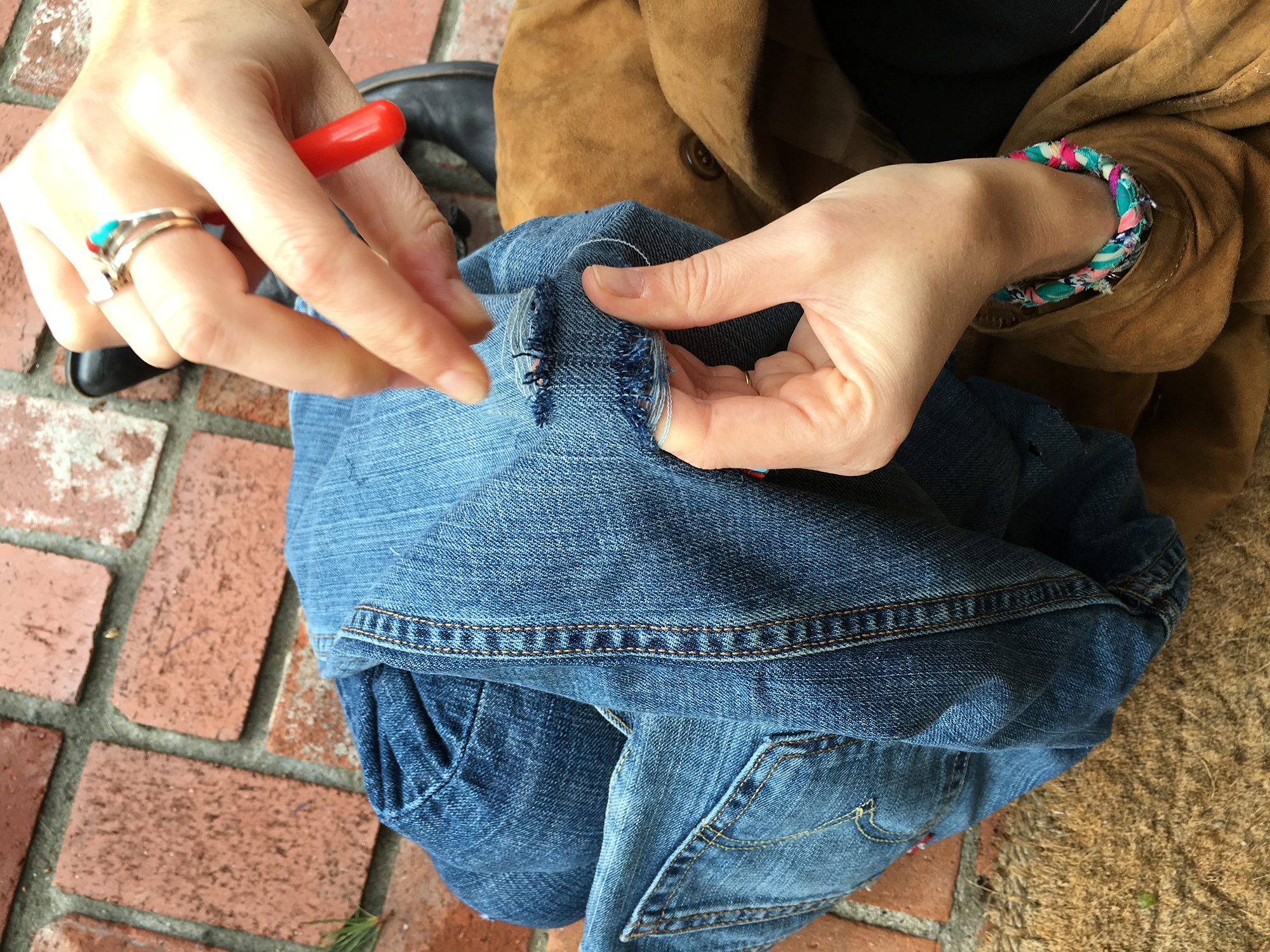 Pieceology-Vintage-How-To-DIY-Denim-Jeans-Ripping-Blog-7.jpg