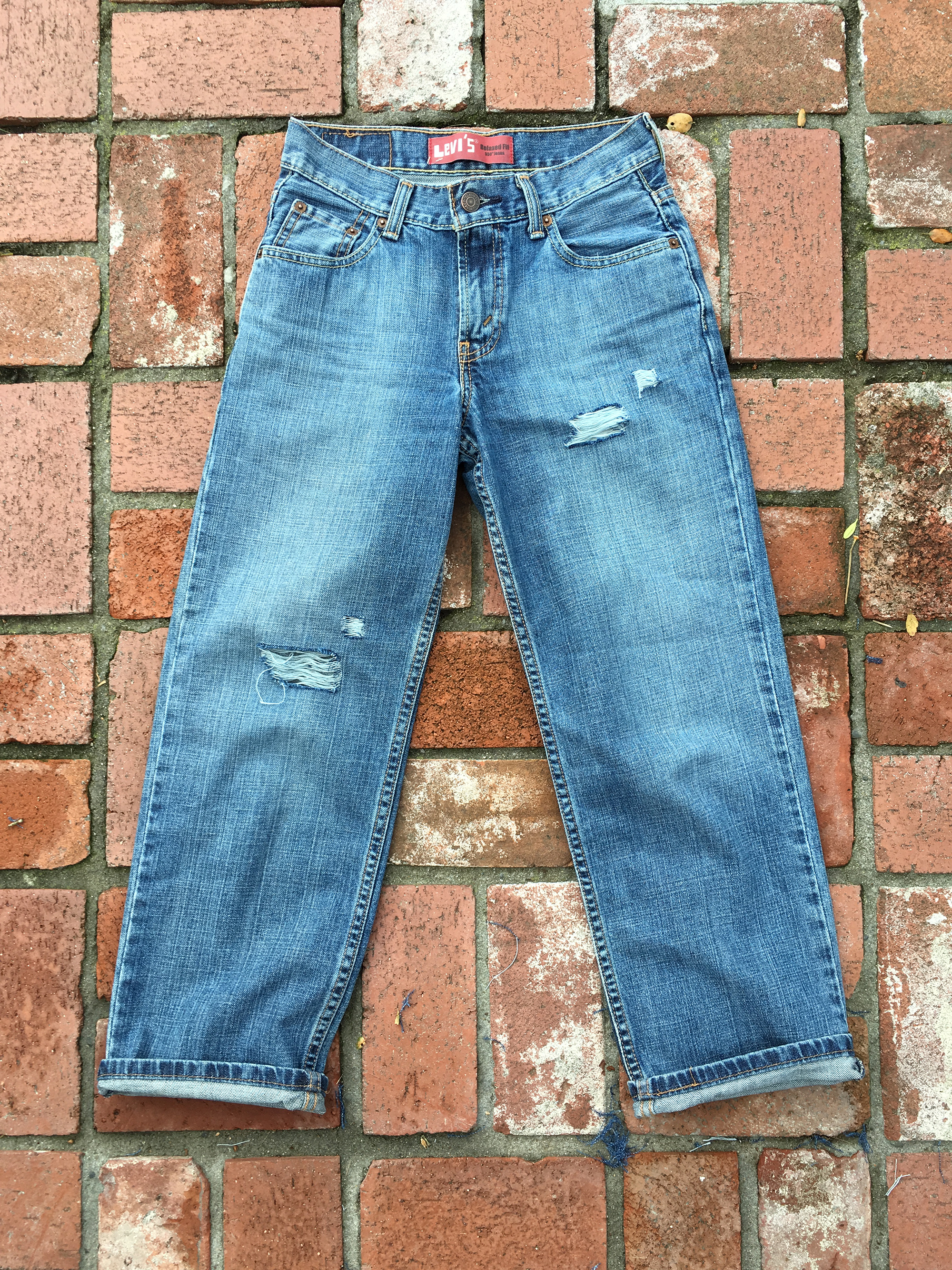 Pieceology-Vintage-How-To-DIY-Denim-Jeans-Ripping-Blog-11.jpg