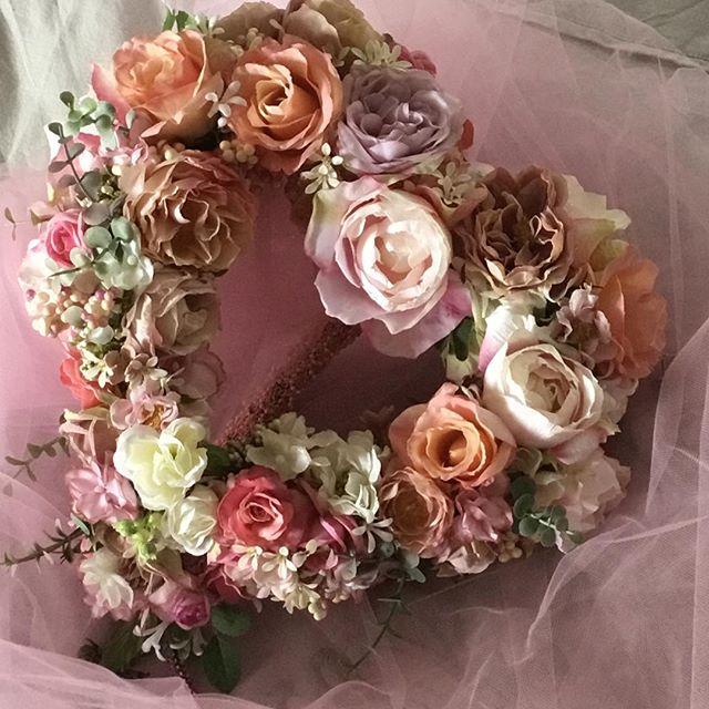 ハートブーケ♥️ しあわせのかたち  ダズンローゼのメインブーケ 愛の連鎖を願います。  #アーティフィシャル #プリザーブド #フラワー #ウエディング #ブーケ #ブートニア #結婚式 # ハーバリウム #植物 #オーダーメイド #ダズンローゼ #インテリア #artificial #wedding #flower #grass #order # plant #bouquet #bootonia #preserved #dozen roses #interior