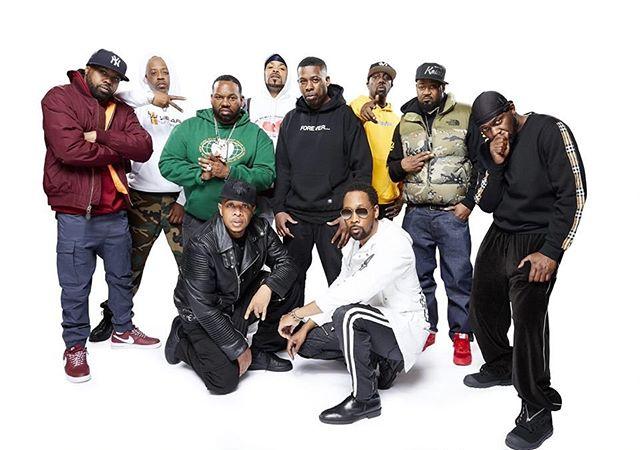 Kaikkien aikojen rap-kiertue nähdään Suomessa viikon päästä maanantaina 27. toukokuuta! Wu-Tang Clanin, Public Enemyn sekä De La Soulin ilotulitusta Helsingin Jäähallissa täydentää illan isäntänä häärivä DJ Premier. Tätä et totisesti halua missata! 🎤 . Paketteja tapahtumaan vielä muutama jäljellä! Varmista VIP -paikkasi biossa löytyvästä osoitteesta! 🙌🏼 . #aitiopaikalla  #godsofrap  #wutangclan  #publicenemy  #delasoul  #djpremier