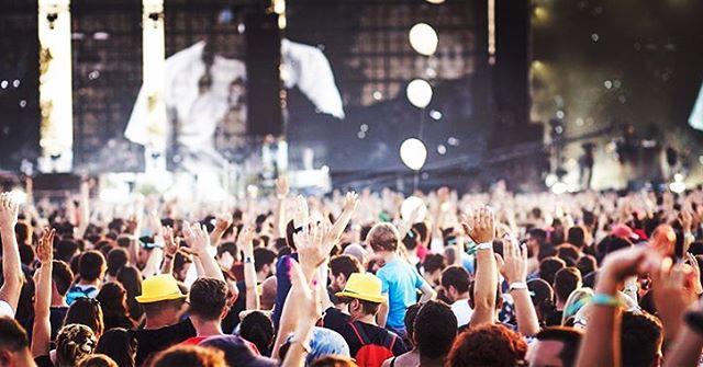 Nosta festarikokemuksesi uudelle tasolle VIP-asiakkaana! ✨ . Vedä kovaa ja korkealta Hyvinkään Rockfesteillä, koe uusi upea festari Raaseporissa, biletä Weekend -festareilla ilman huolta huomisesta tai fiilistele Kaisaniemenpuistossa brittipopin pauhatessa! Pääasia kuitenkin on, että teet sen tyylillä! 💯 . Kaikki nämä upeat VIP-festaripaketit löydät meidän biossa löytyvästä osoitteesta!🤩👆🏼 . #aitiopaikalla  #kesäfestarit  #rockfest  #wkndfestival  #raaseporifestivaali  #inthepark