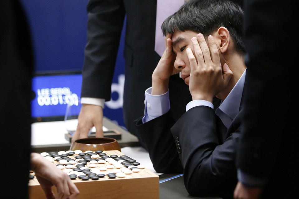 Google's AlphaGo defeats Lee Sedol.   What AlphaGo's Win Means for Your Job  (Fortune Magazine 21/03/16)