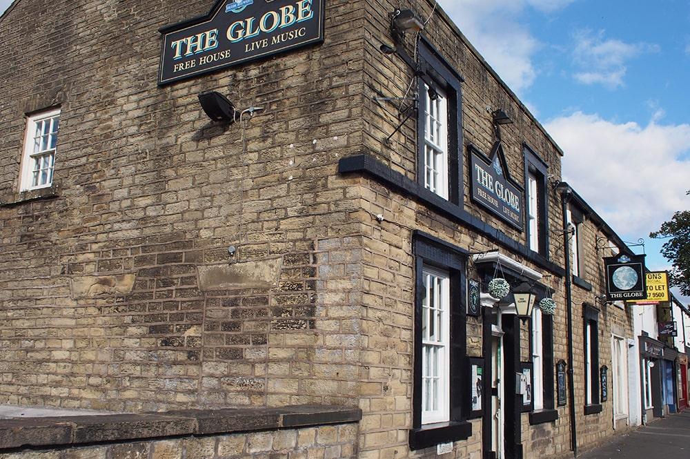 The_Globe1-min.jpg