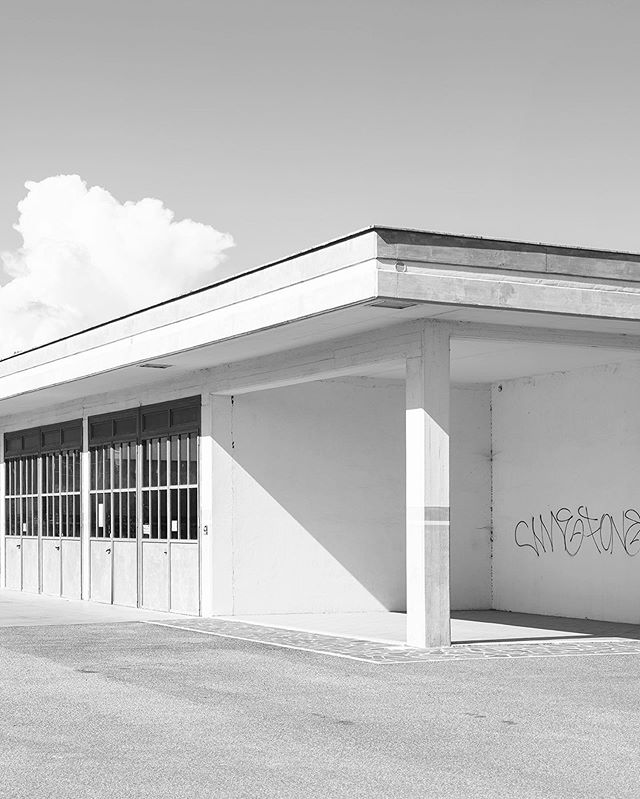 Aprilia. . . . . . #aprilia #architecture #architecturephotography #archilovers #building #thisaintartschool #pupilsphere #bnw