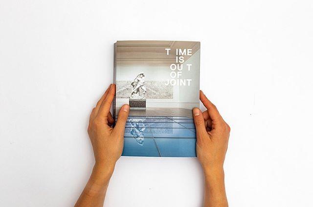 È uscito Il catalogo Time is Out of Joint, documenta l'attuale allestimento delle opere della @lagallerianazionale . Fiero di aver preso parte alla sua realizzazione con le mie foto. Un grazie speciale  alla Direttrice Cristiana Collu, a tutto lo staff della Galleria e @alessandroimbriaco per avermi coinvolto.