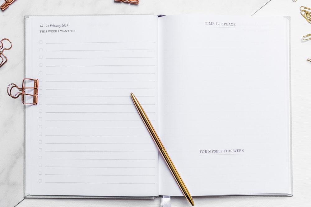essential-planner-emily-rollings-weekly-spread.jpg