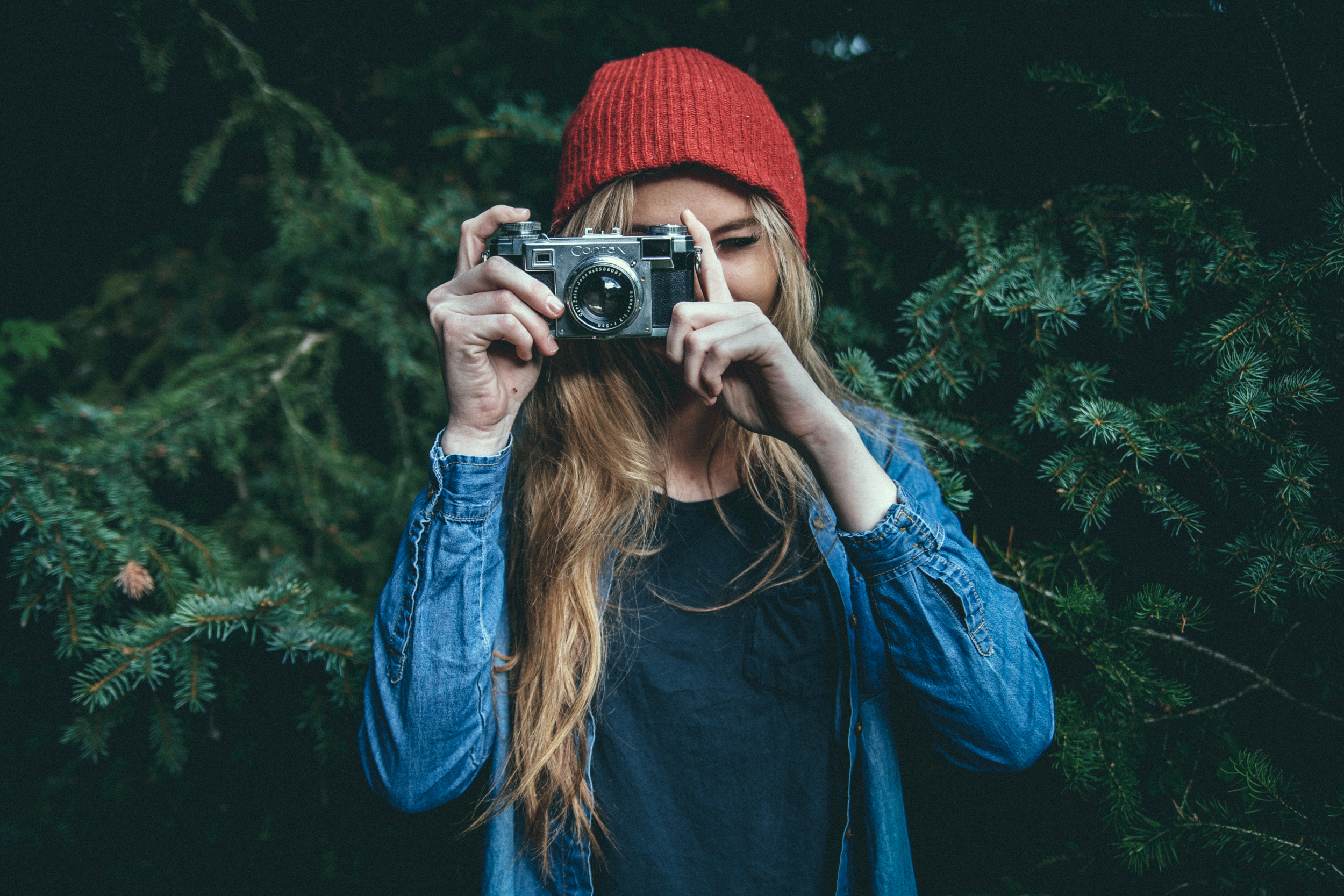 hipster photographer girl