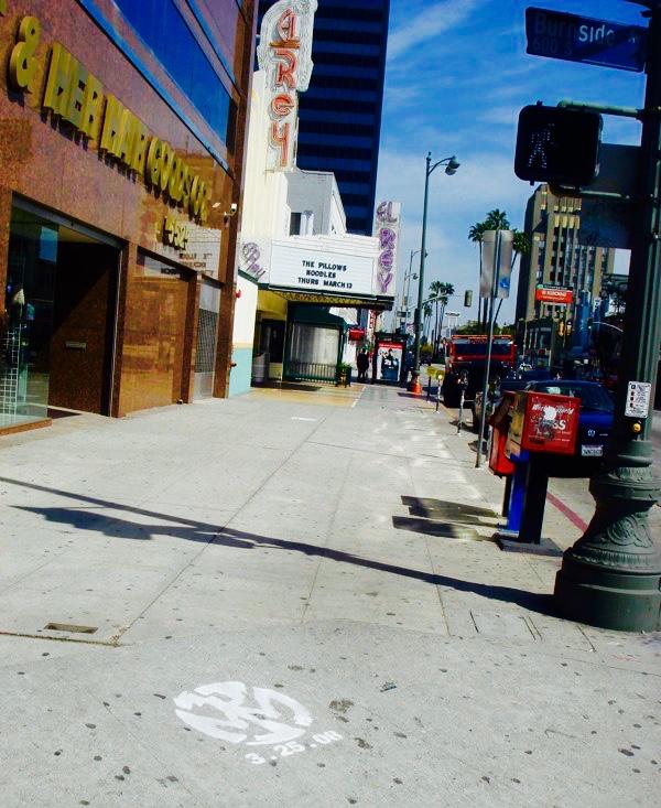 OMG | OnMedia |Guerilla marketing | OnSurface | Street Stencils | Los Angeles | Mid-Wilshire | El Rey | Pennywise.jpg