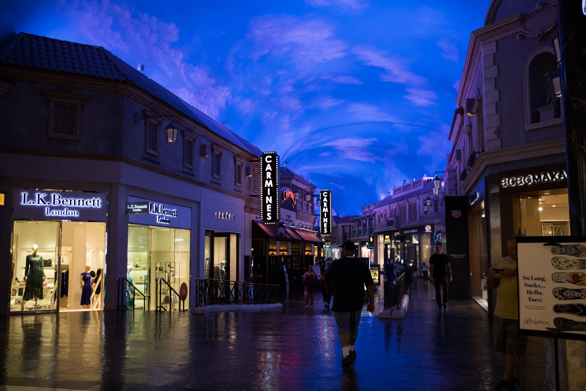 fancy shopping center in Las Vegas.jpg