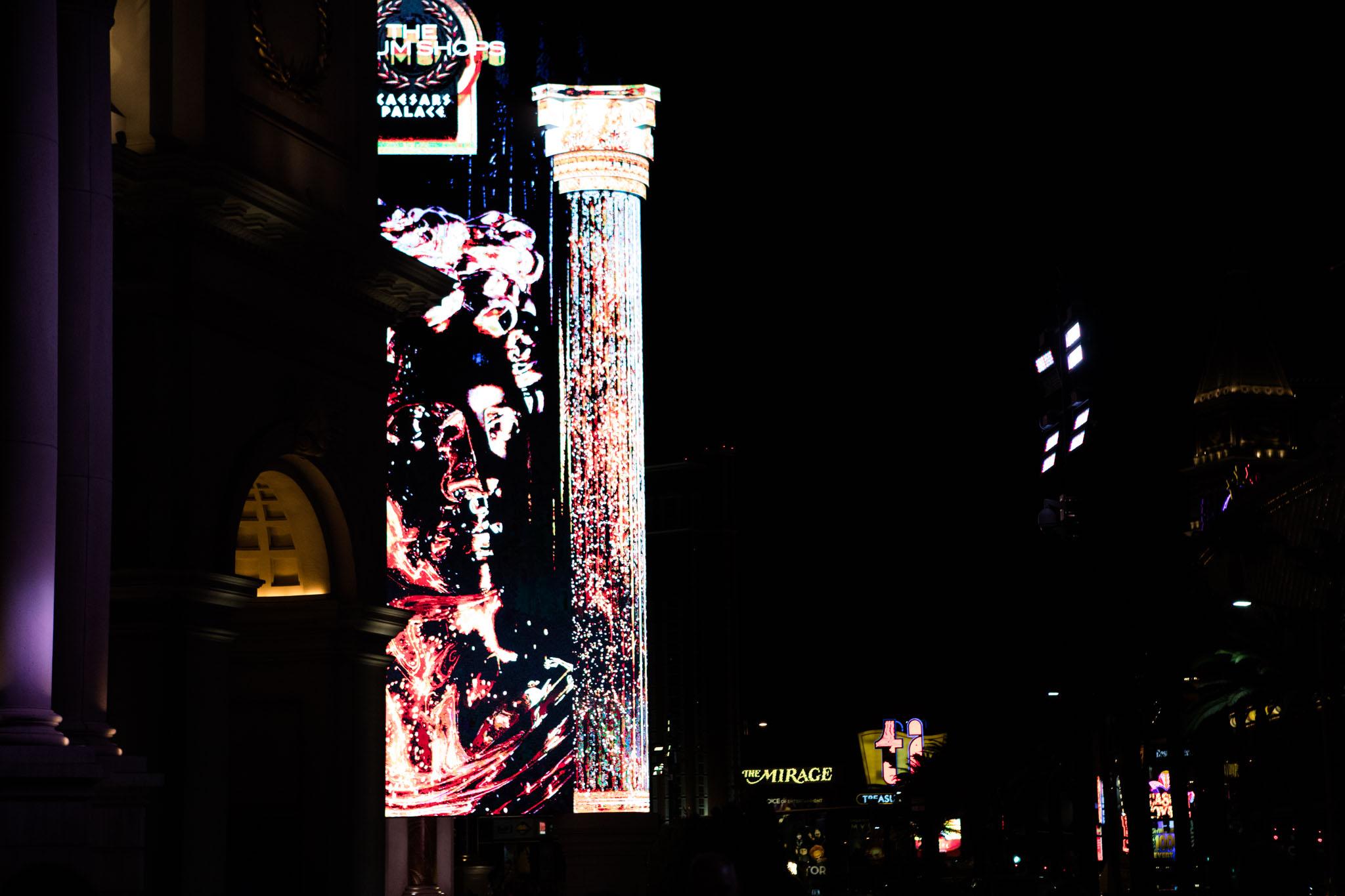 night street photography on the strip in Las Vegas.jpg