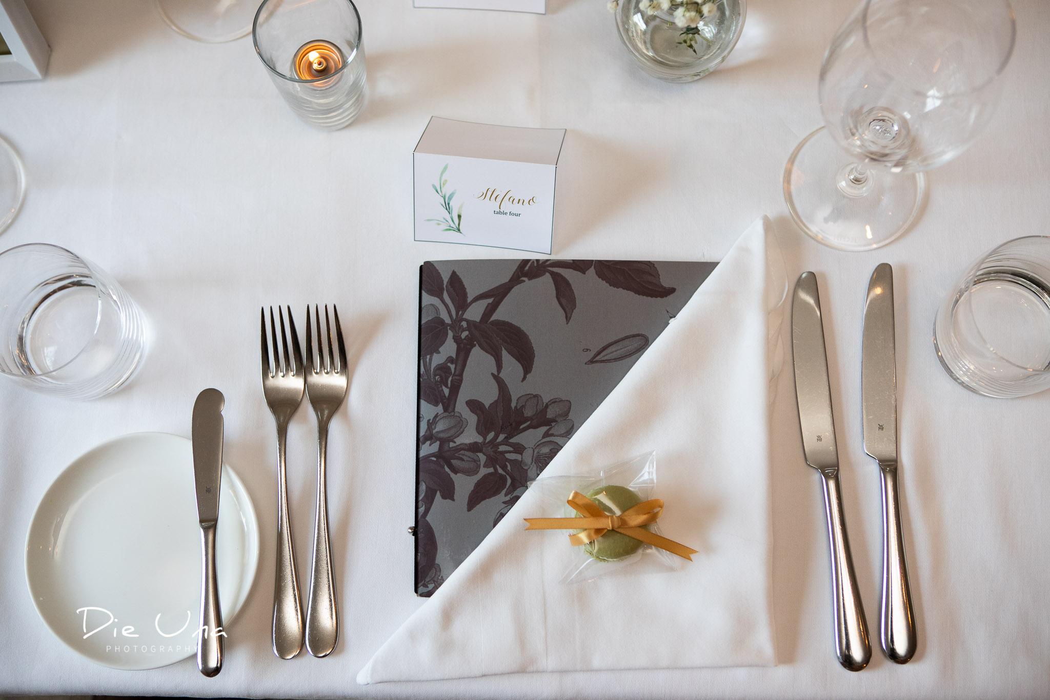place setting at the Auberge du Pommier in Toronto for wedding reception.jpg