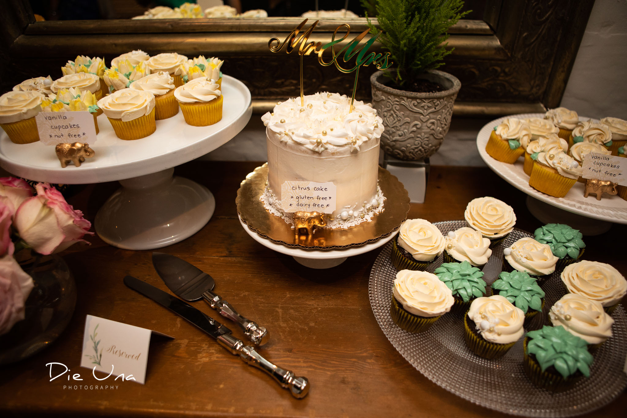 wedding cake and wedding cupcakes.jpg