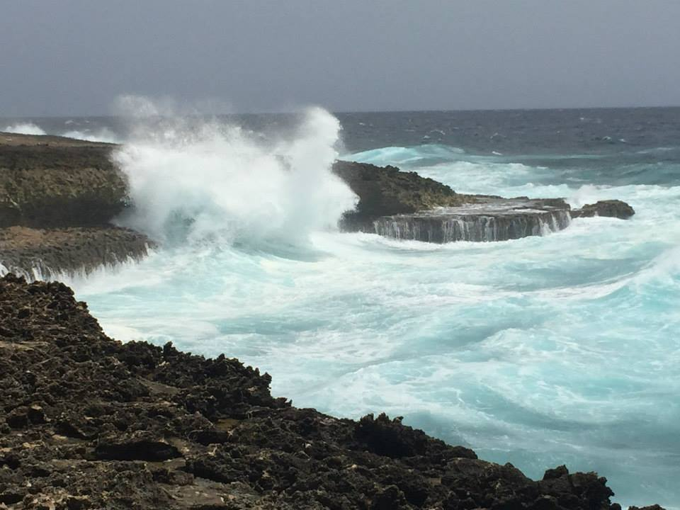 Waves of Northern Curacao