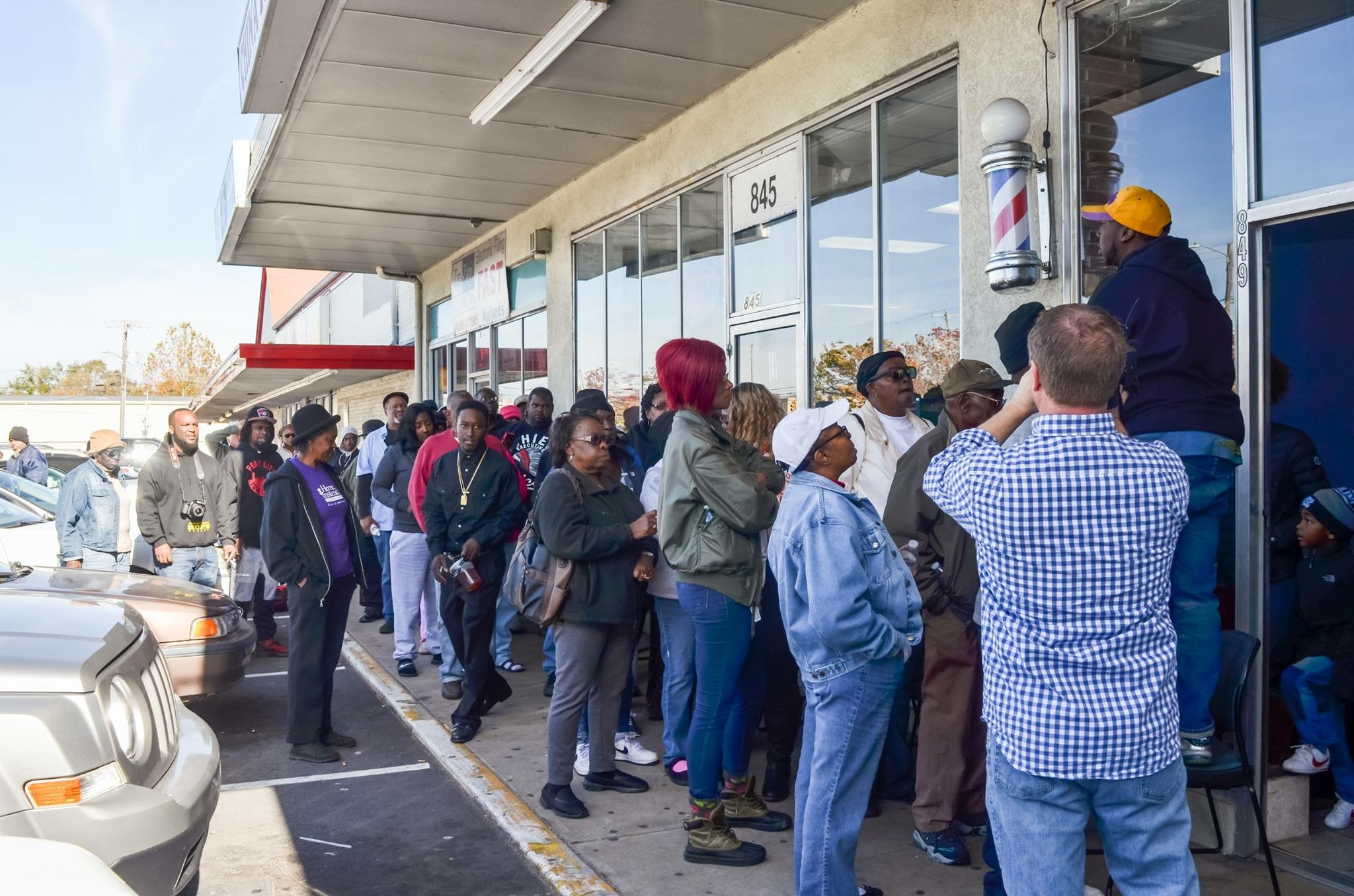150+ People stood in line for a Free Turkey During Support The Port and On the Edge Barber Shop Turkey Bowl Tuesday(Free Turkey Giveaway