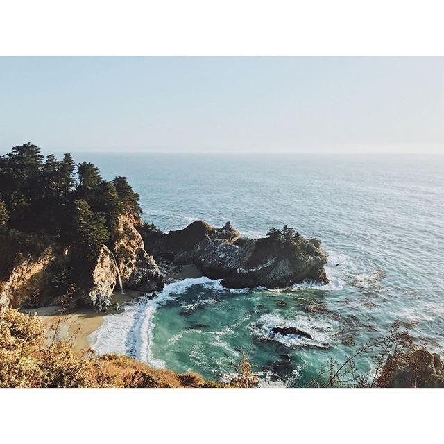Reason # 45 for why California is the best.  #capturingcalifornia #westcoastbestcoast #bigsur #hwy1 #coast #waterfall #beach #cove #summer #fall #cliff