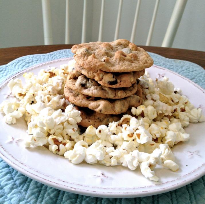 popcorn-in-my-cookie-3.jpg