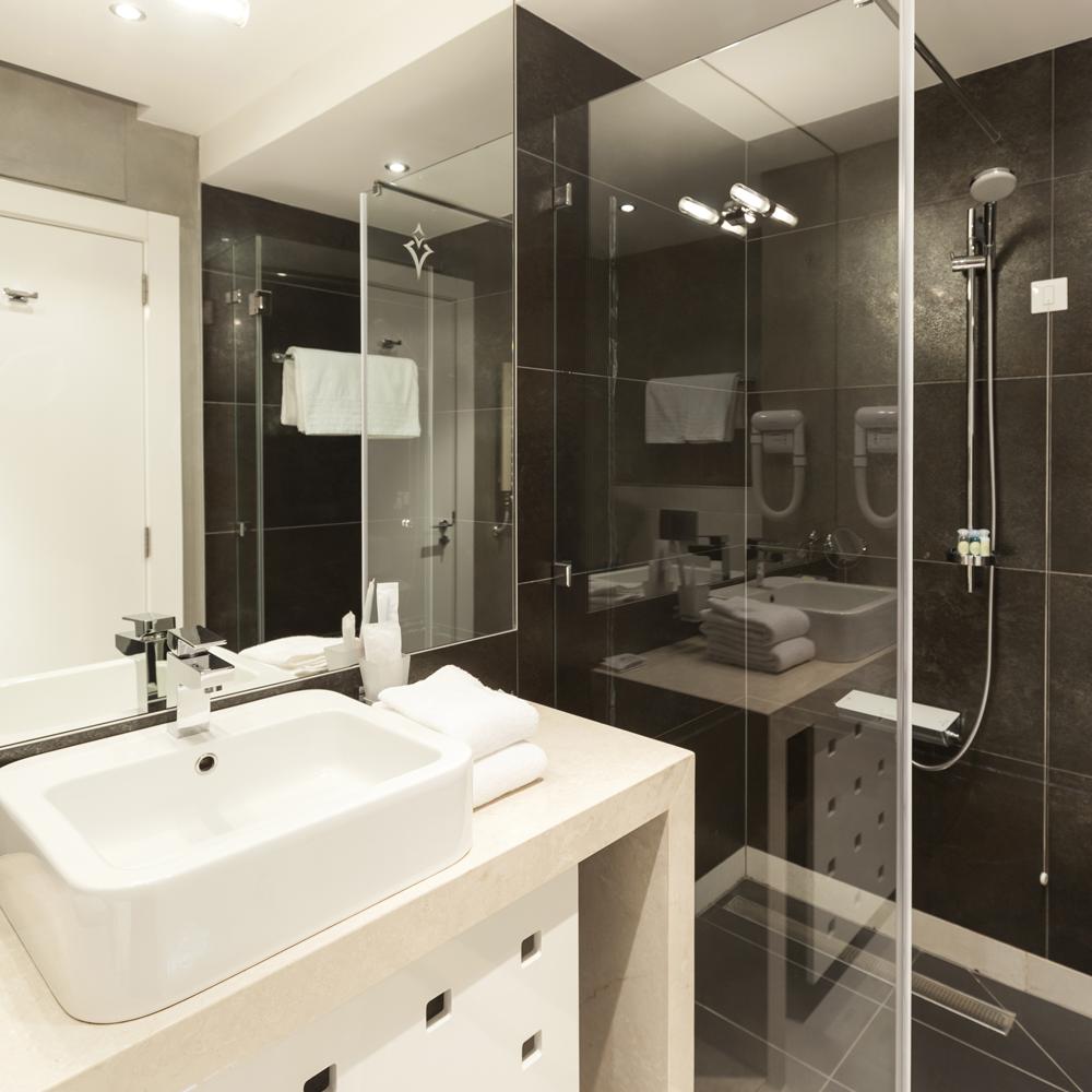 bathroom fitters edinburgh