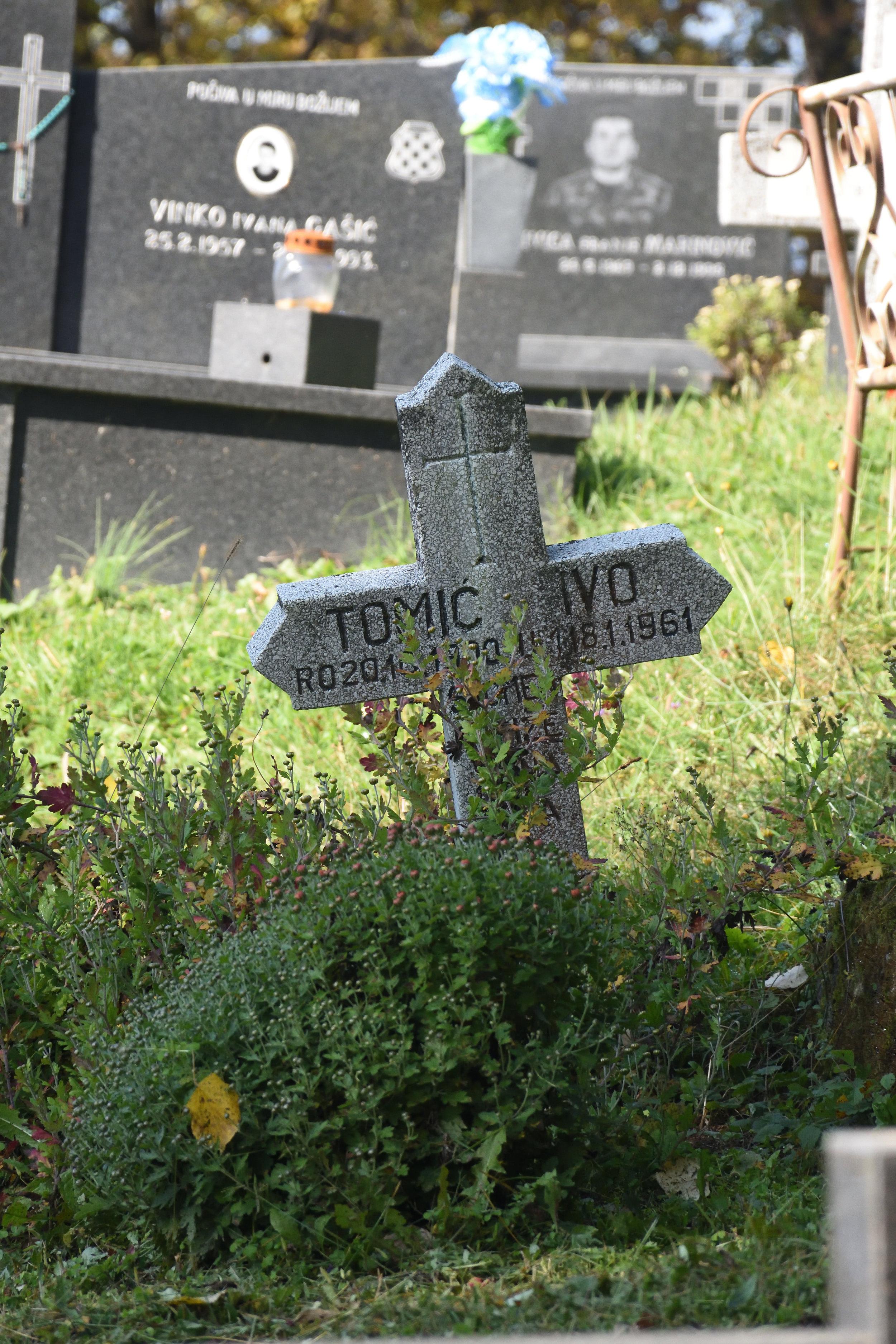 Croatish grave yeard Cepce, 2016