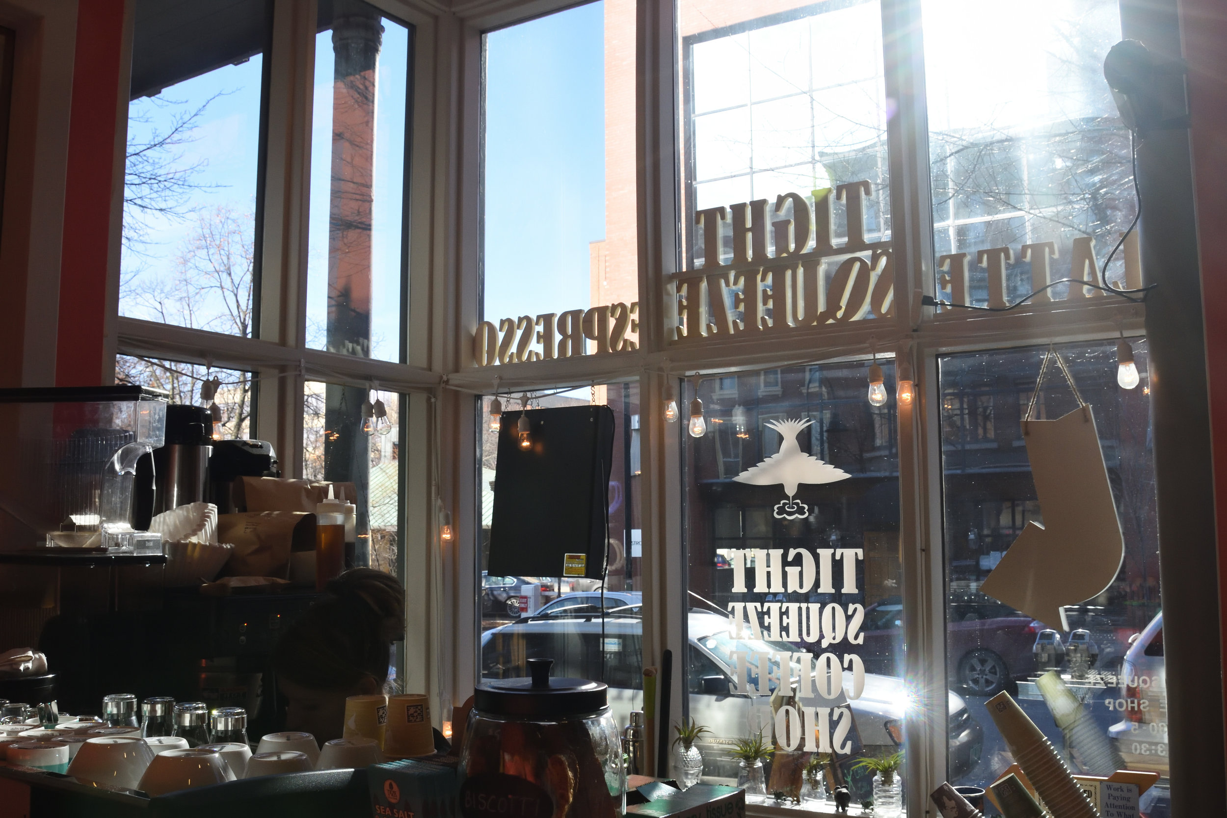 Tight Squeezed Coffee Shop, Burlington 2016