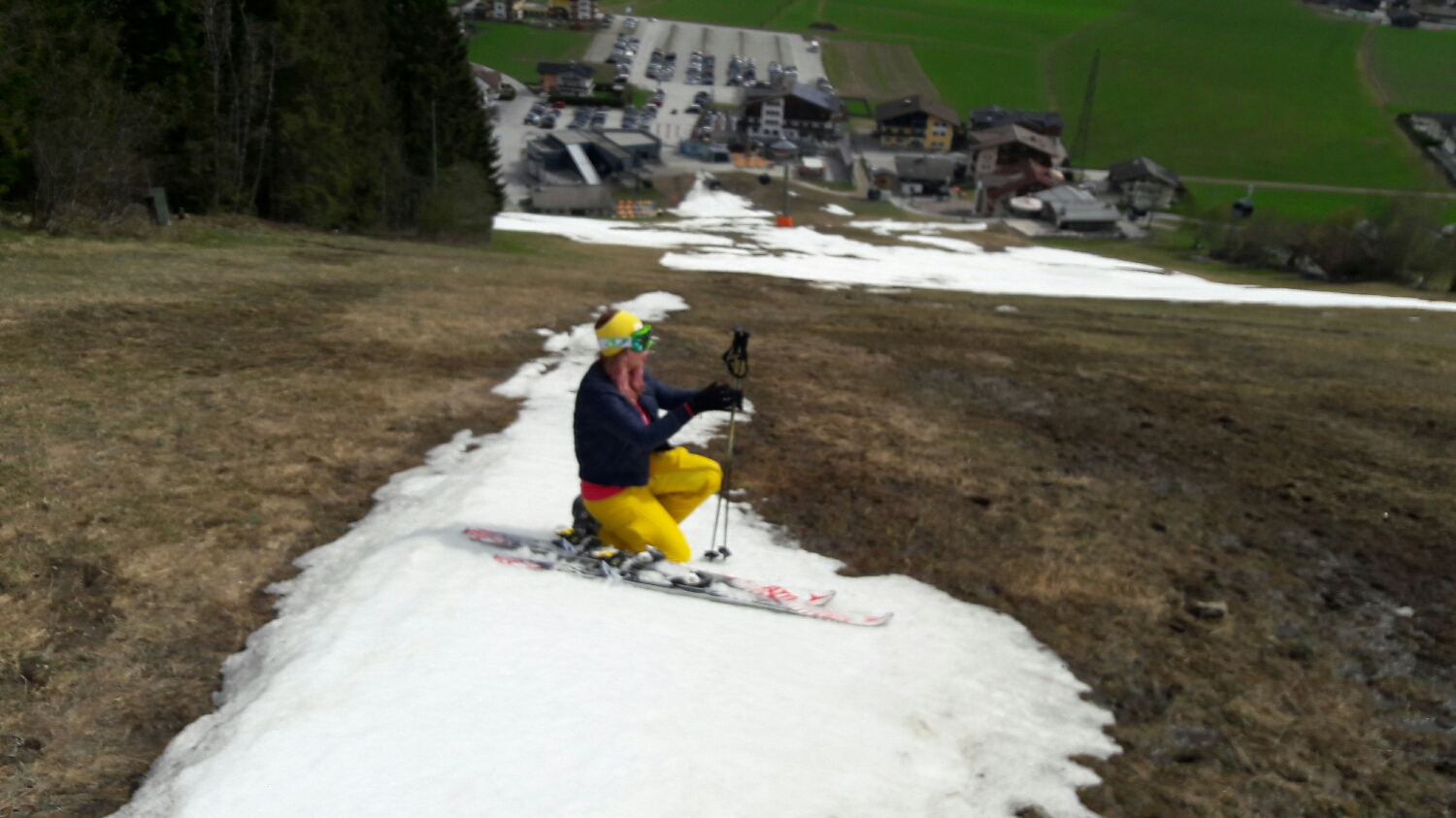 Another blurry photo of Gaby, last day of skiing season 16/17