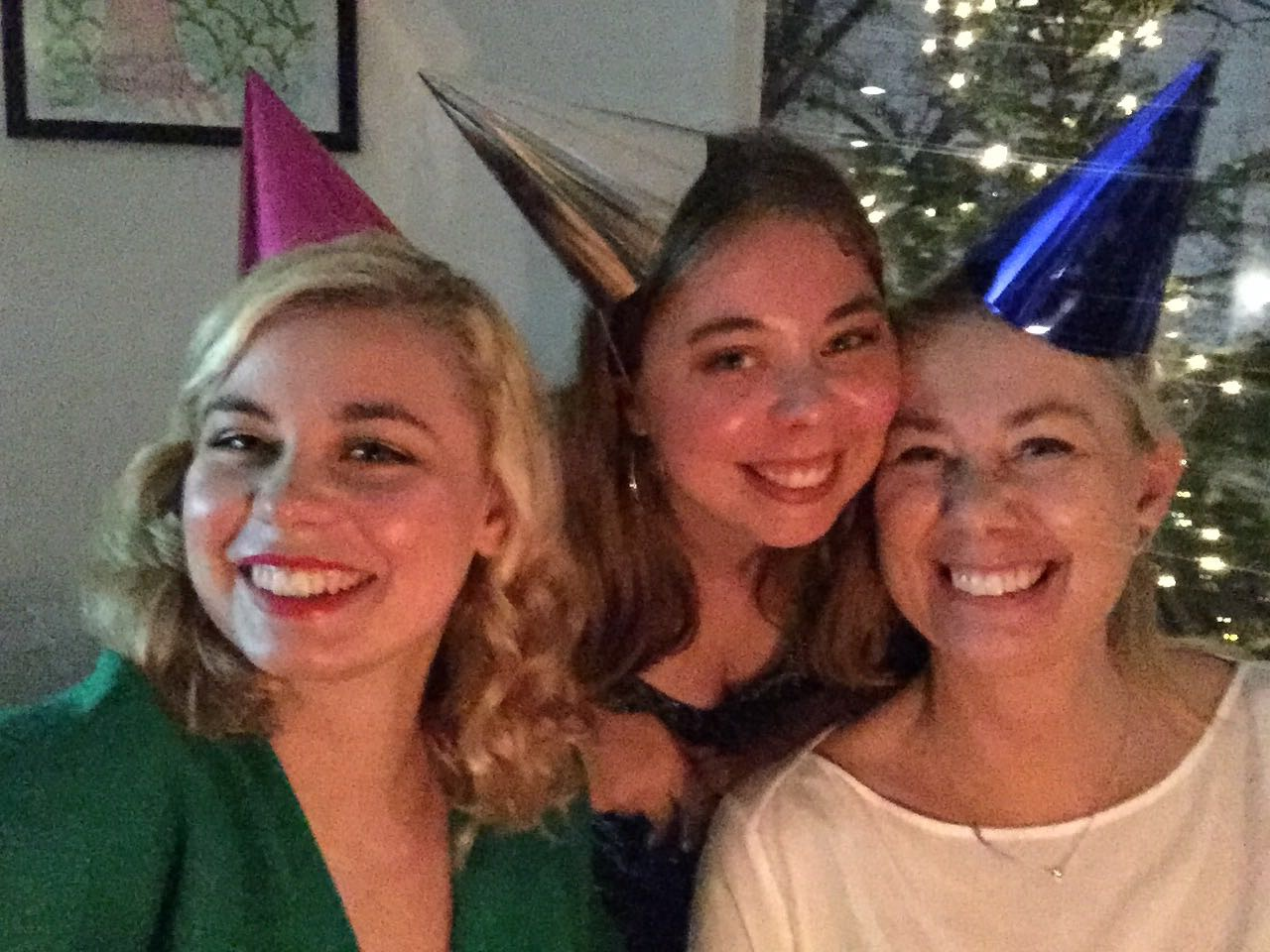 Blurry photo from New Years Eve 2017. Gaby, Mimmi and me