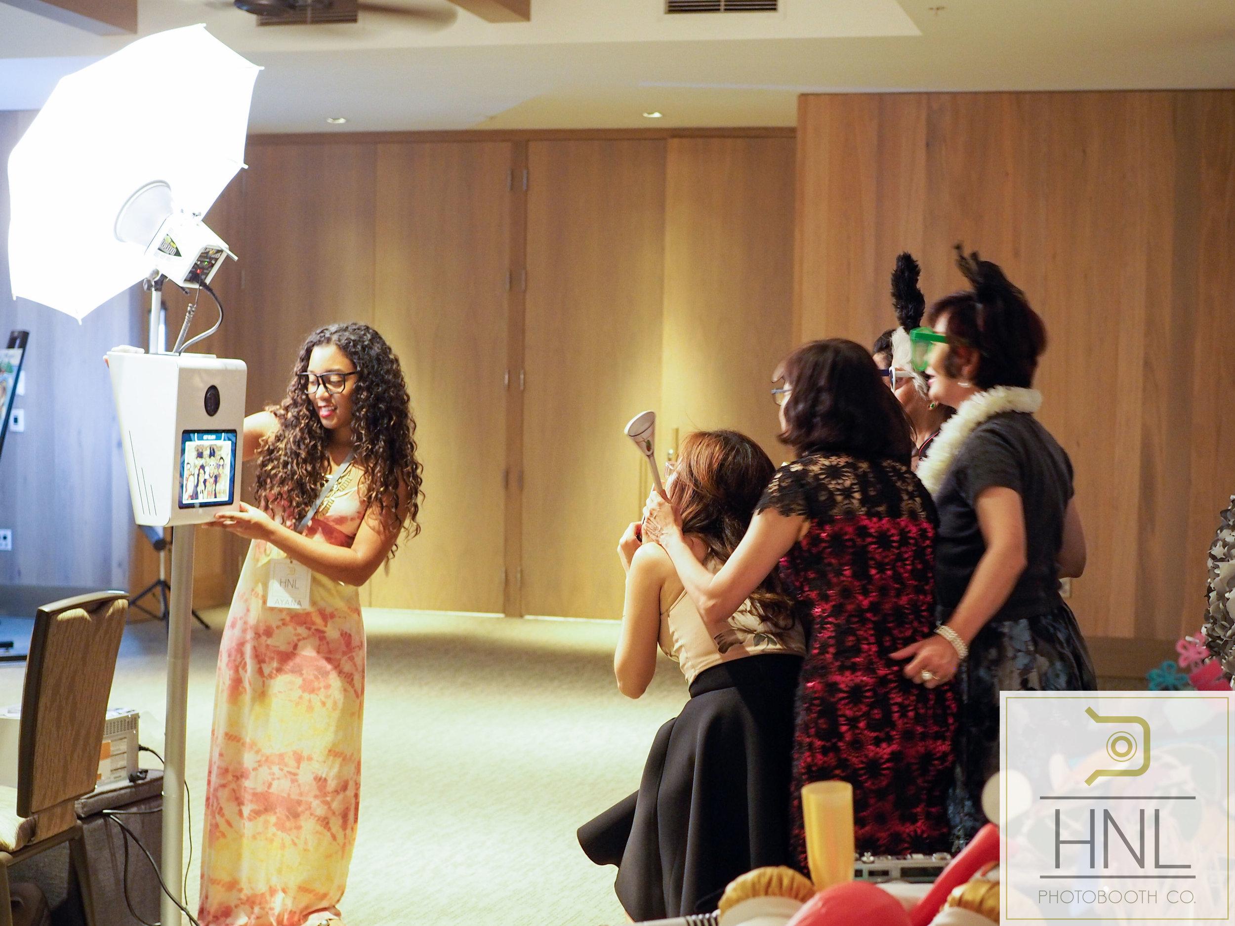 Allie + Joel Wedding Photo Booths The Modern Honolulu Oahu Hawaii -9170038.jpg
