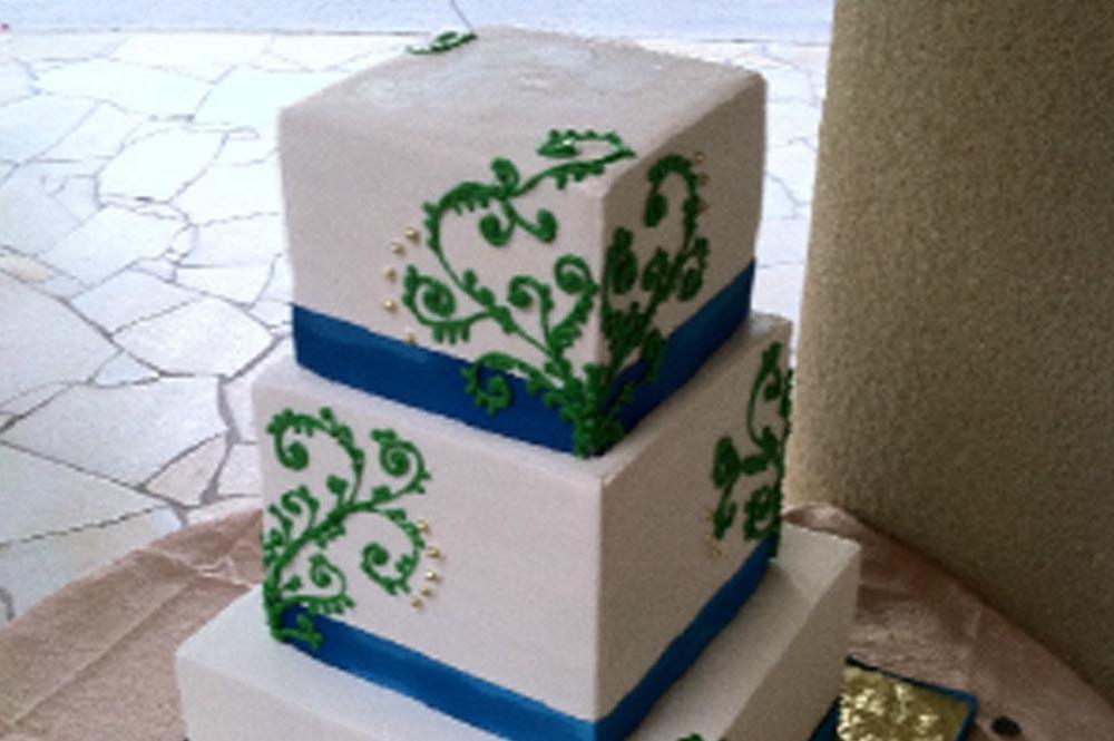 madcakez-bakery-dessert-specialty-wedding-cakes-honolulu-oahu-hawaii.jpg