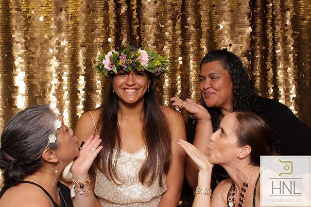 Congratulations on graduating, Angela! It was so great to see how your friends and family are proud of you and how much they love you. We wish you the best in all future endeavors!⠀ ⠀ Backdrop: HNL Luxe Sequins in Gold⠀ Venue: He'eia State Park⠀ Decor: @itssoprettylinens ⠀ ⠀ ⠀ #AngelaGradParty #HILife #HNLPhotoboothco #HNL #ModernPhotobooths #Hawaiiphotobooth #Oahuphotobooth #hawaiiwedding #oahuwedding #oahuweddingplanner #partyphotography