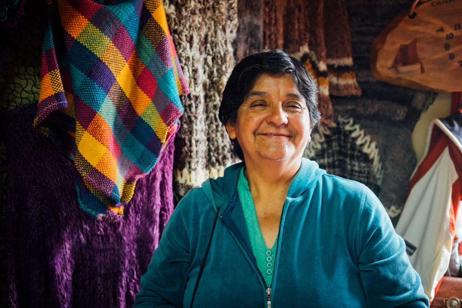Just another smiling Chilean women. (We bought a pair of knitted wool mittens from her!)