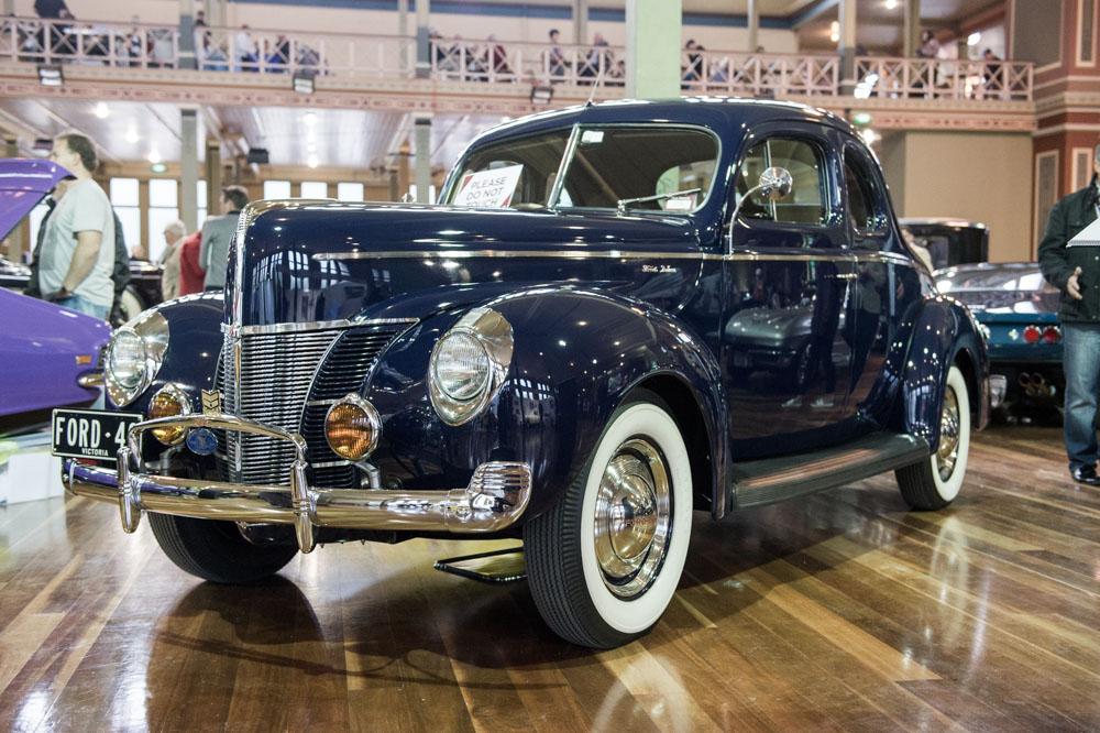 1940 Ford Deluxe 2-Door Coupe.