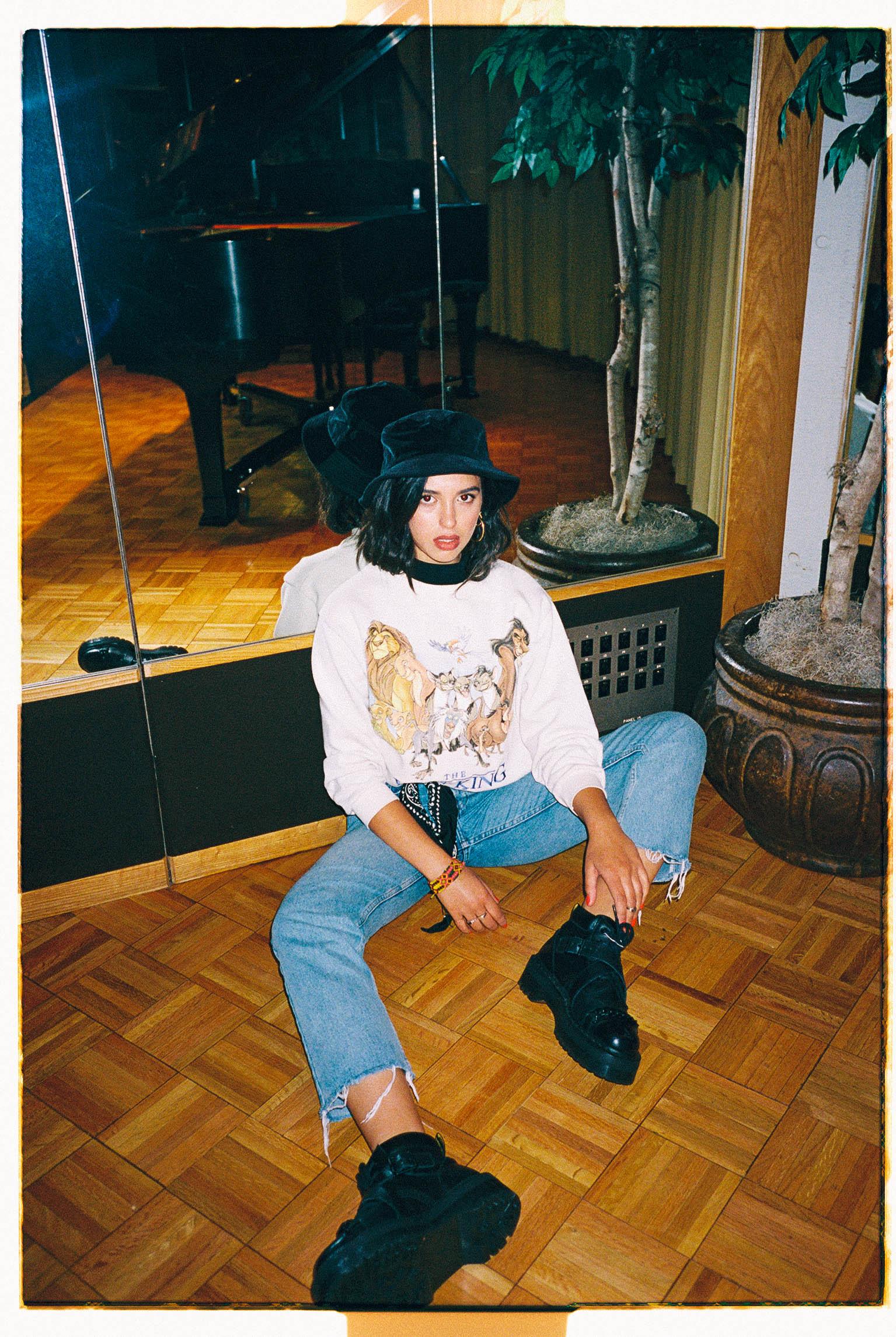 Jess Kent  / Capitol Records