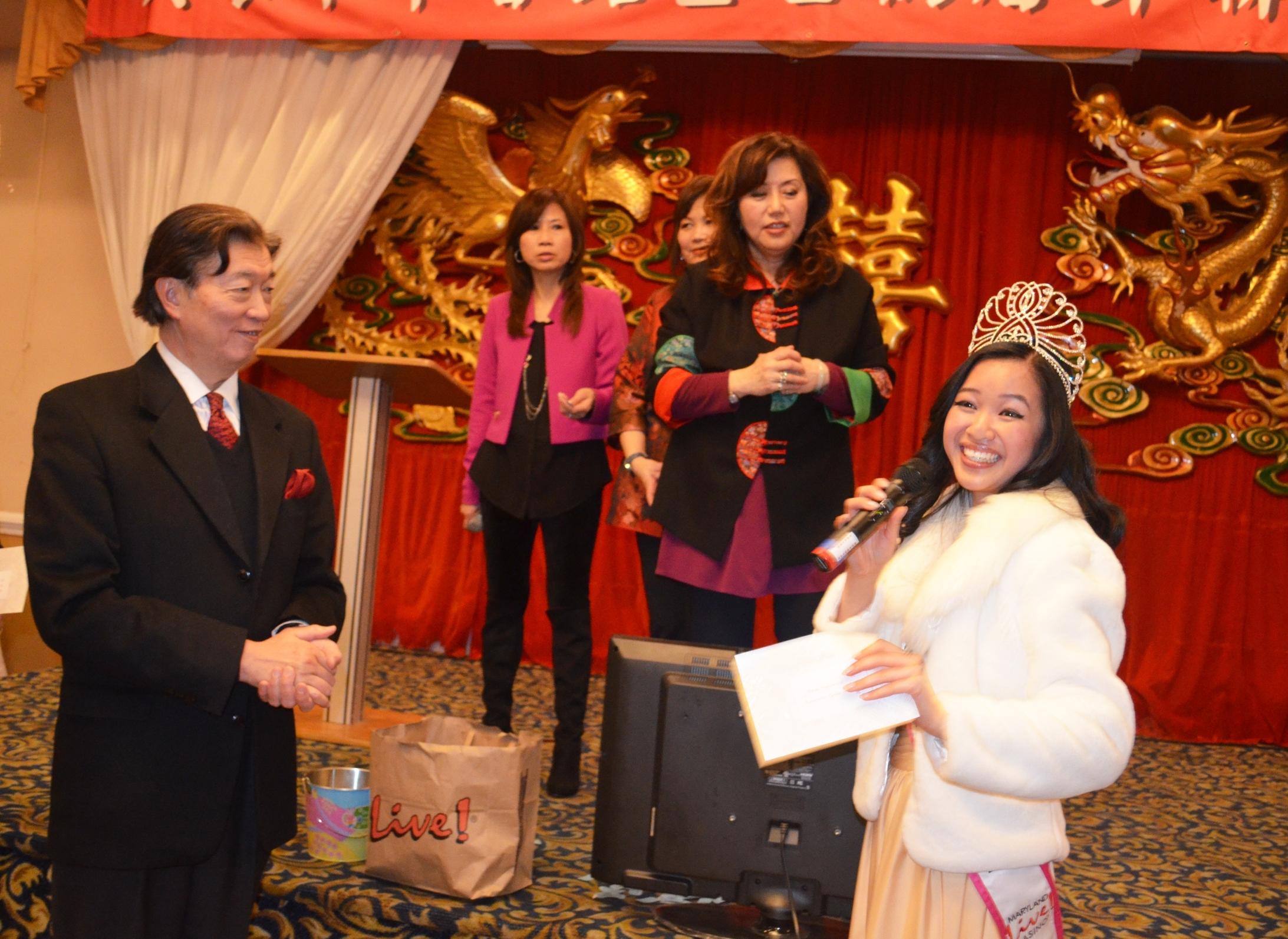 Giving an impromptu speech and meeting Ambassador Shen at the VIP dinner.  What a gentleman!.JPG