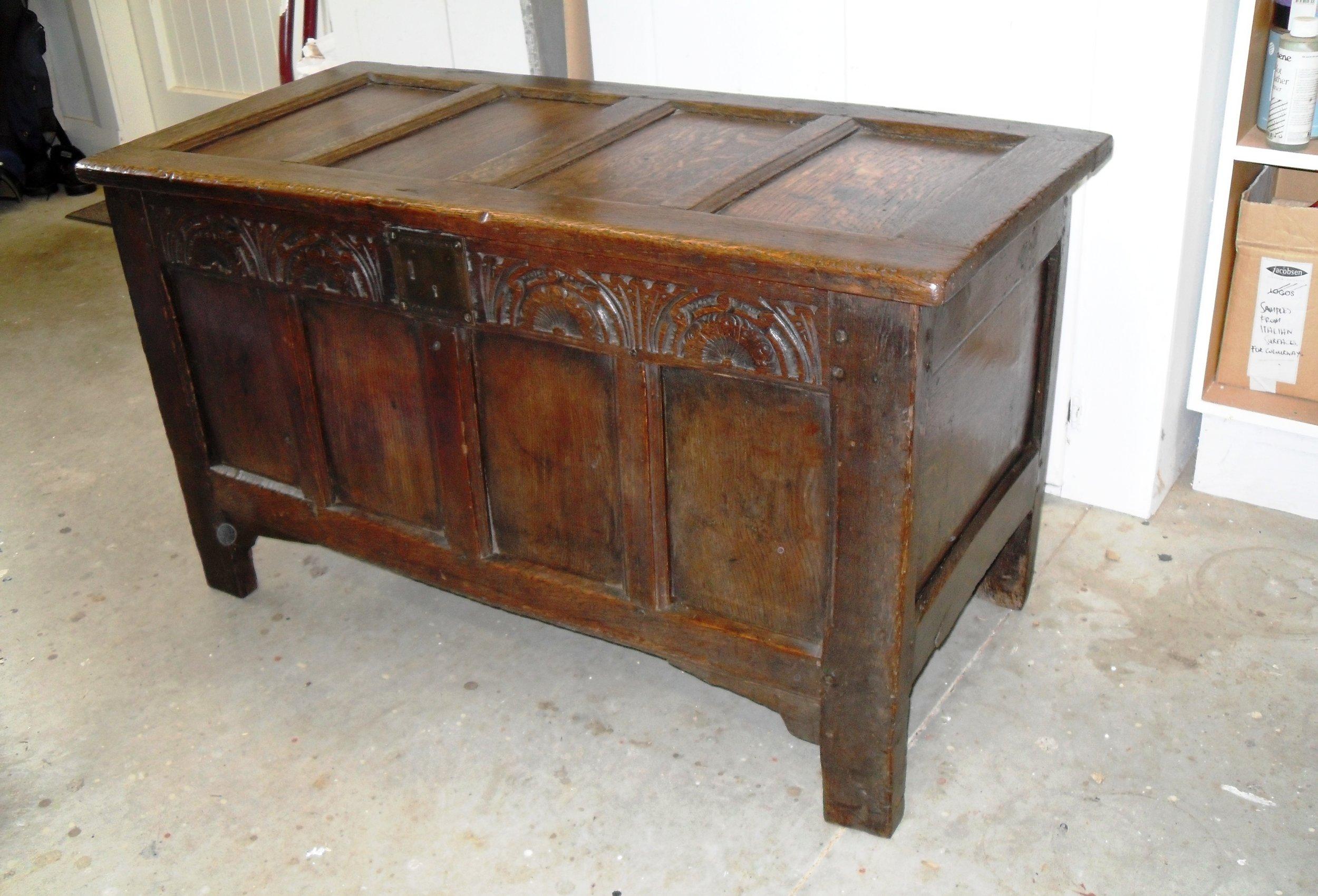 oak coffer 1.JPG