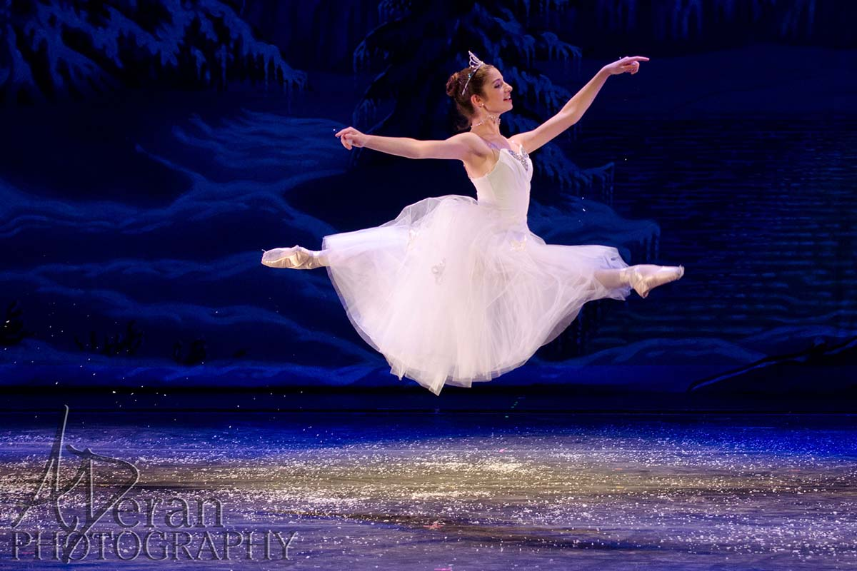 nutcracker-ballet-snow.jpg