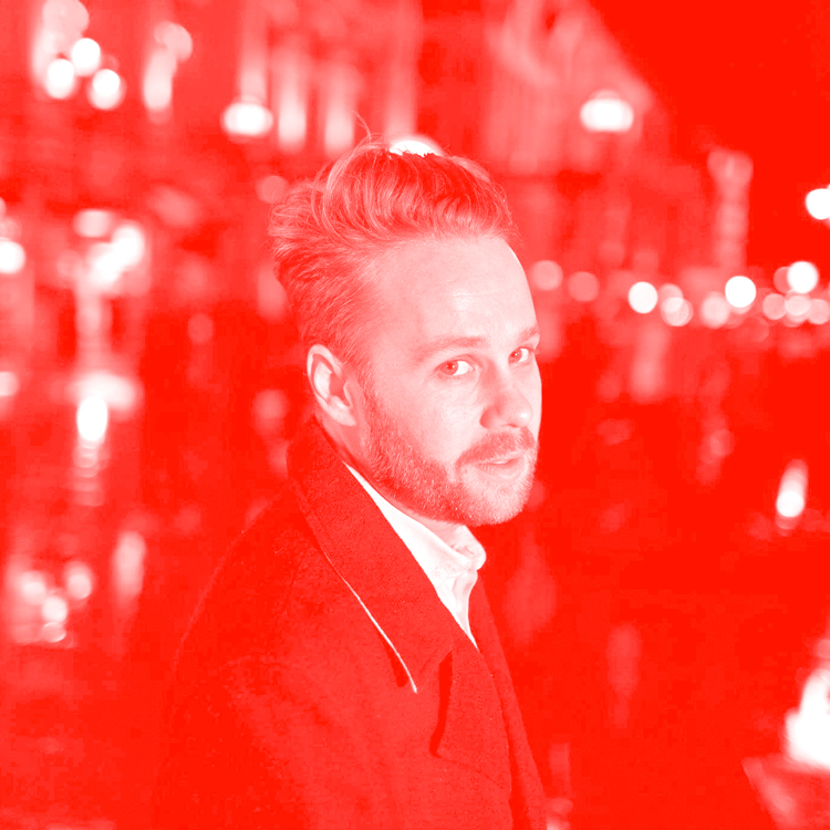 CAMERON FARRELLY Virtue/VICE - As Chief Creative Officer of VICE's creative agency Virtue, Cameron helps brands and bands prepare for the apocalypse, find purpose and shape culture. With 26 offices around the world creating more than 6000 pieces of content a week, his ability to spot, capture, and unleash lightning in a bottle is of blackbelt status.Having worked with some of the greatest minds in both culture and adland, Cameron's work is smart, self-aware, and always served with style.Previously Executive Creative Director at Universal Music Group, Cameron launched the label's in-house agency network across APAC and EMEA, applying the same storytelling principles to Doritos and Delta as a one would to Drake as Def Leppard. With 15 years activating at the bleeding edge of advertising and entertainment, Cameron has worked with artists like Bieber, Weezer, Jurassic 5, Kanye, Kid Cudi and The Killers, brands like lululemon, Levis, Nike, Google, MGM, partners like Live Nation, Arsenal FC, AEG, NME, Kerrang and Coachella, at places like Mambo, Atlantic, Sony, Villain, Virtue and VICE Media.