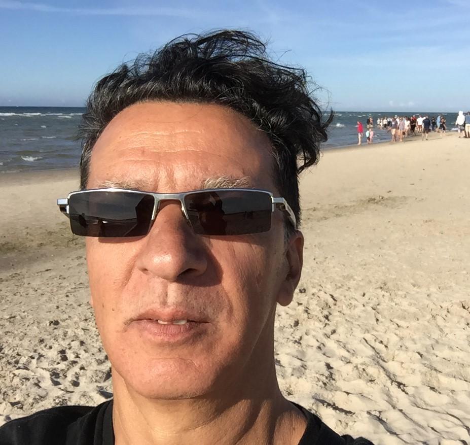 2016.07.28 CS Selfie Skagen (1) closeup.jpg