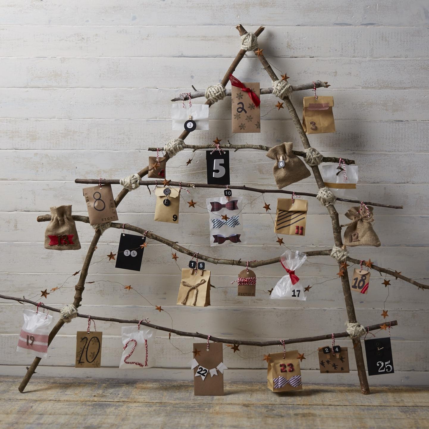 Rustic Advent Tree for  Oshkosh B'Gosh |  Steve Pomberg