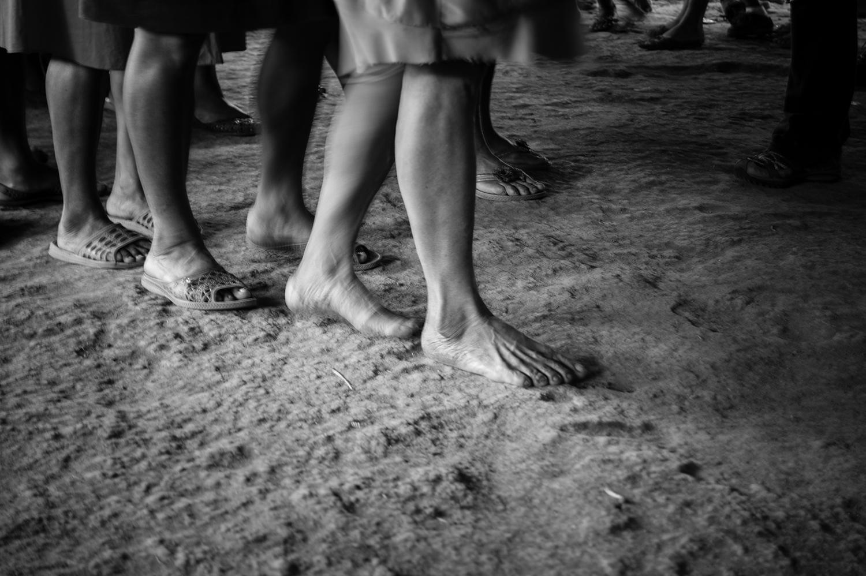 Familiarmente, conservan la filiación materna de clanes, aspecto que organiza socialmente sus relaciones y construcción de la identidad, por lo cual comparten sus creencias y conocimientos.