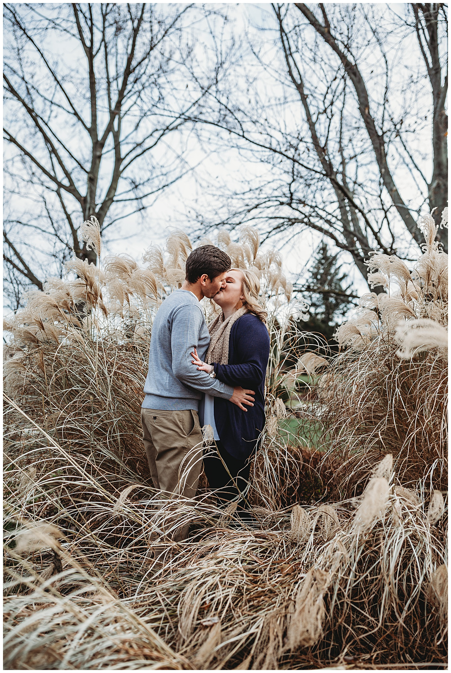 Belle Isle Park Detroit Michigan Engagement Photos_1103.jpg