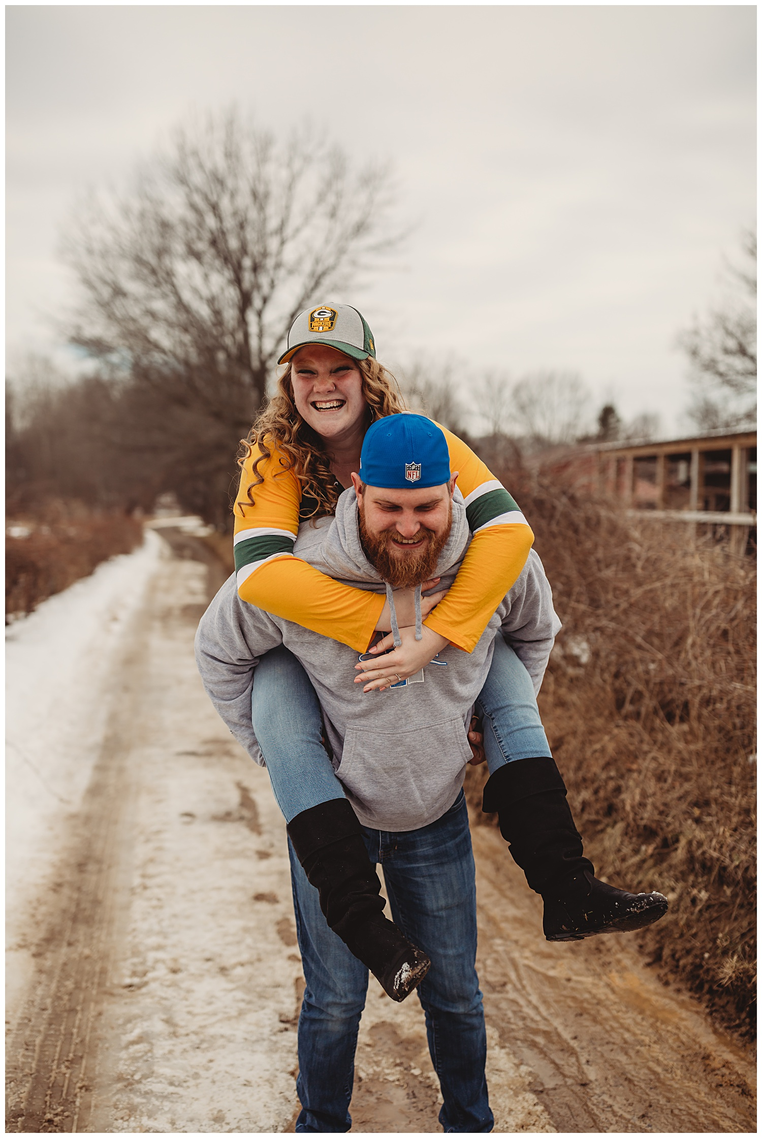 Peacock Road Family Farm Laingsburg MIchigan Winter Engagement Session_1338.jpg