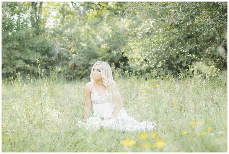 Organic_Senior_Pictures_Grassy_Fields_Lick Creek_Park-12.jpg