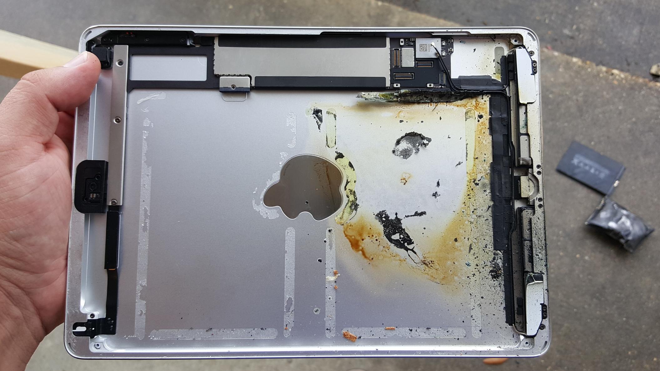 phonedoc-iphone-repair-mandeville-baton-rouge-ipadair-housing-battexplo.jpg
