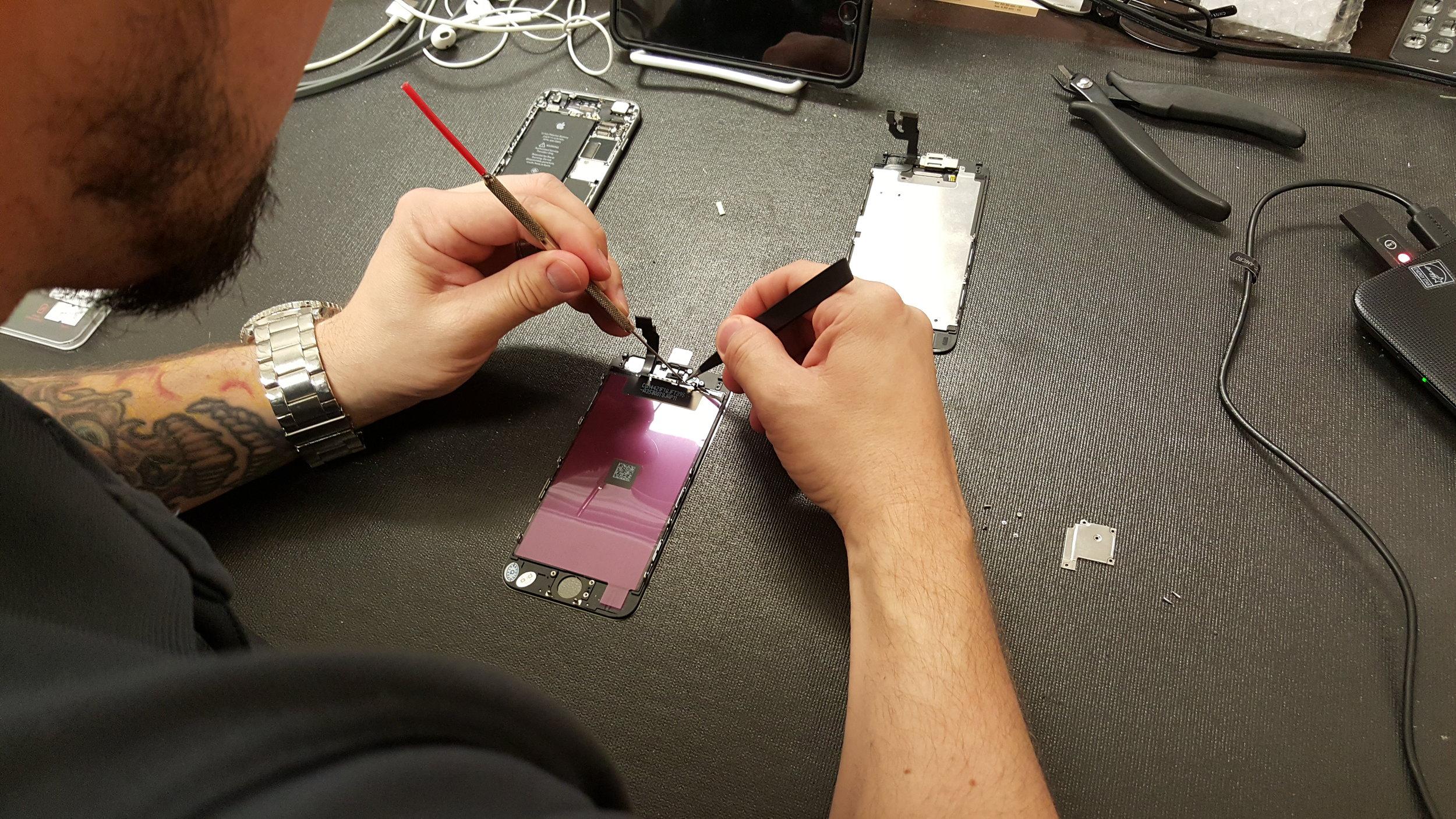 phonedoc-mandeville-iphone-6-screen-repair.jpg