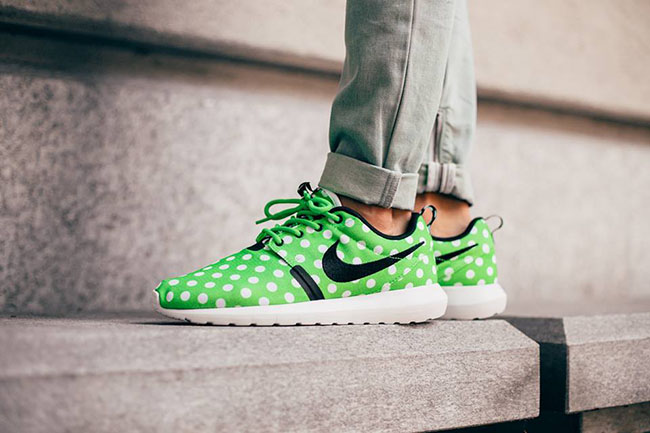 nike-roshe-run-nm-polka-dot-green-on-feet-1.jpg