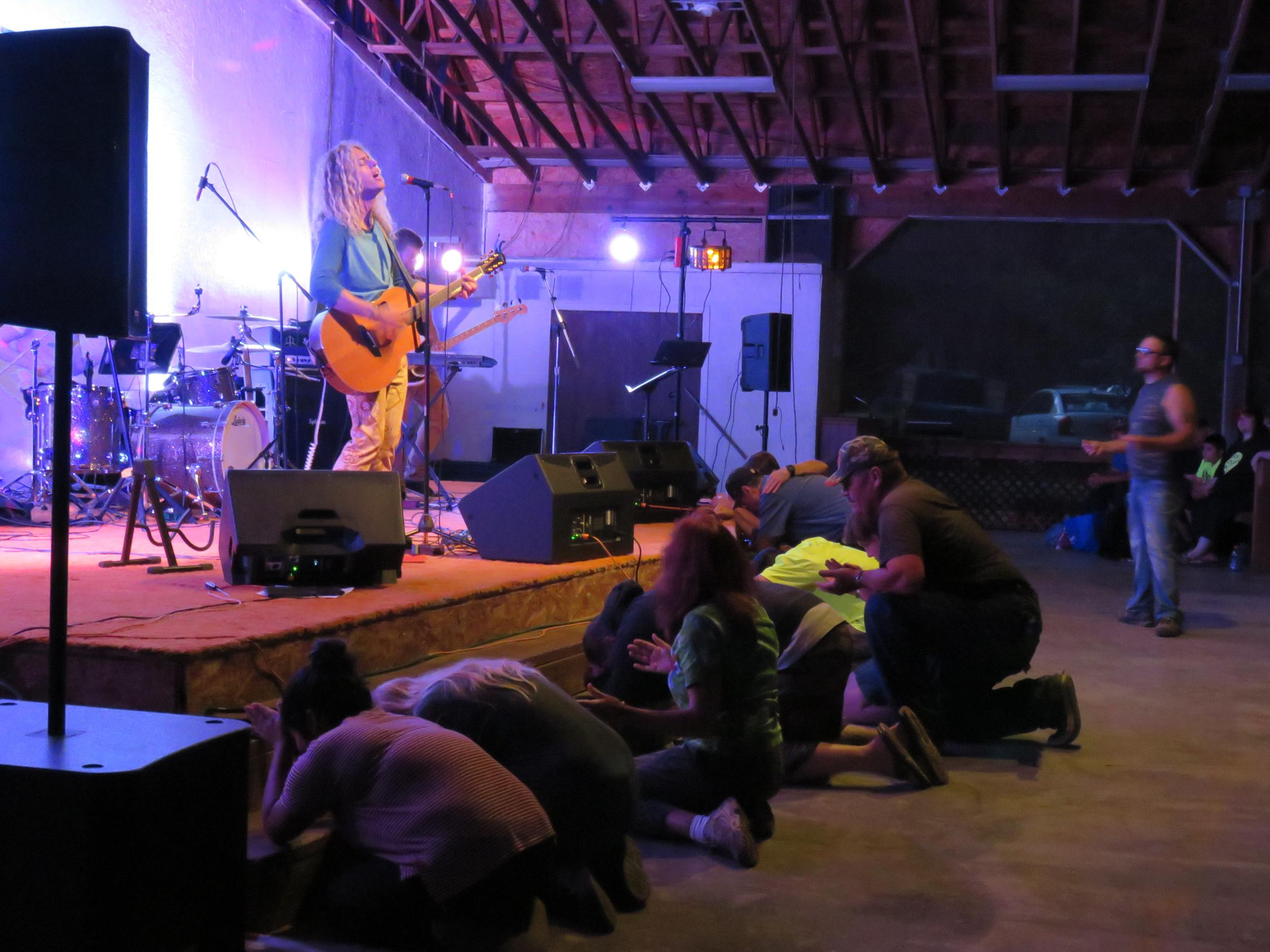 Phil Joeal & Zealand Worship