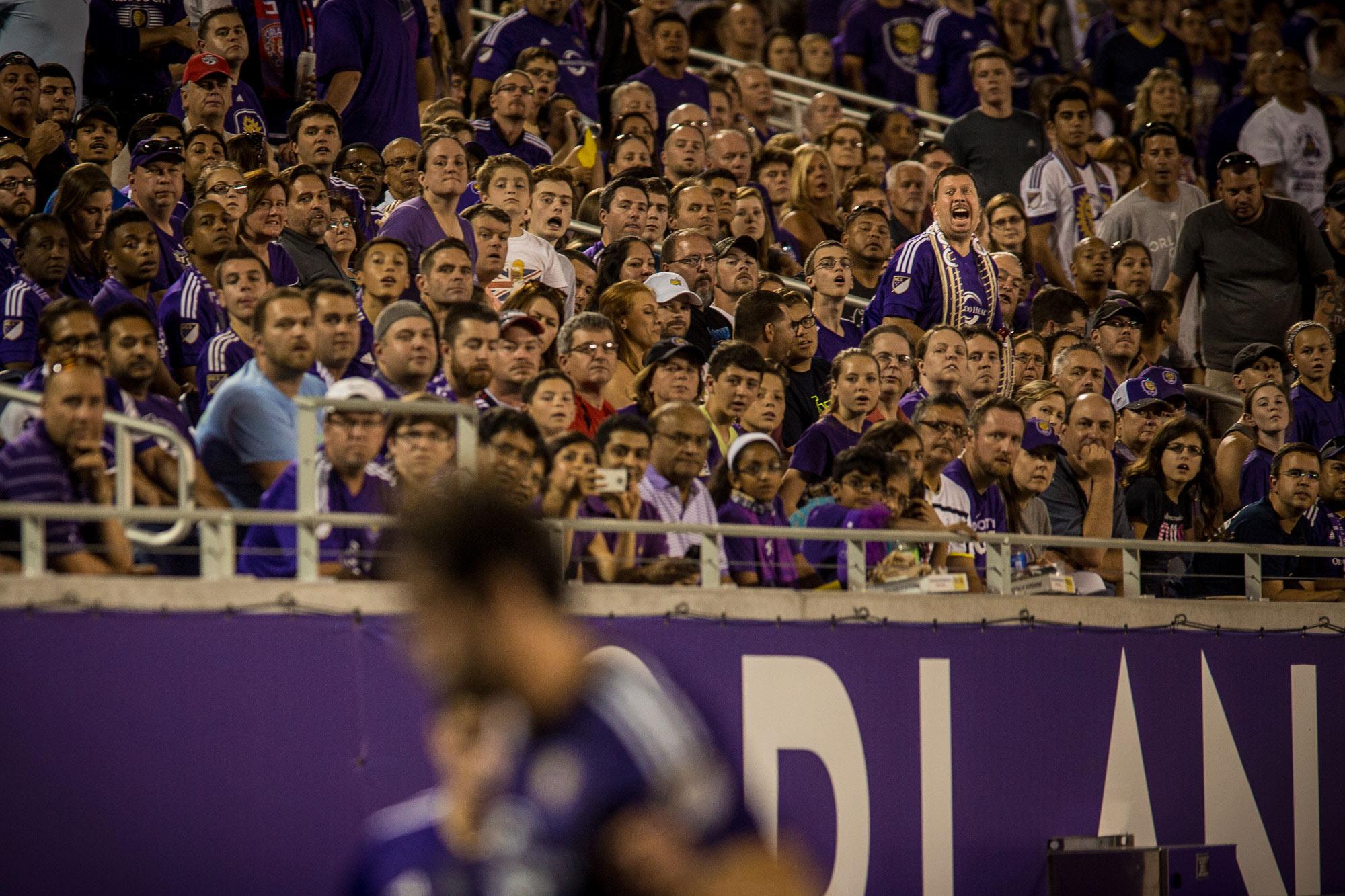 Orlando-Fans-Zrs.jpg
