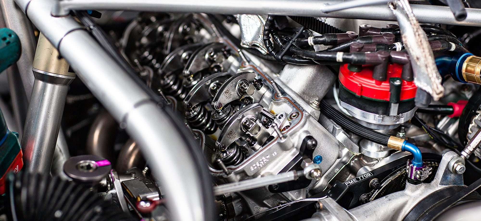Nascar-Engine-Photo-ZRS.jpg