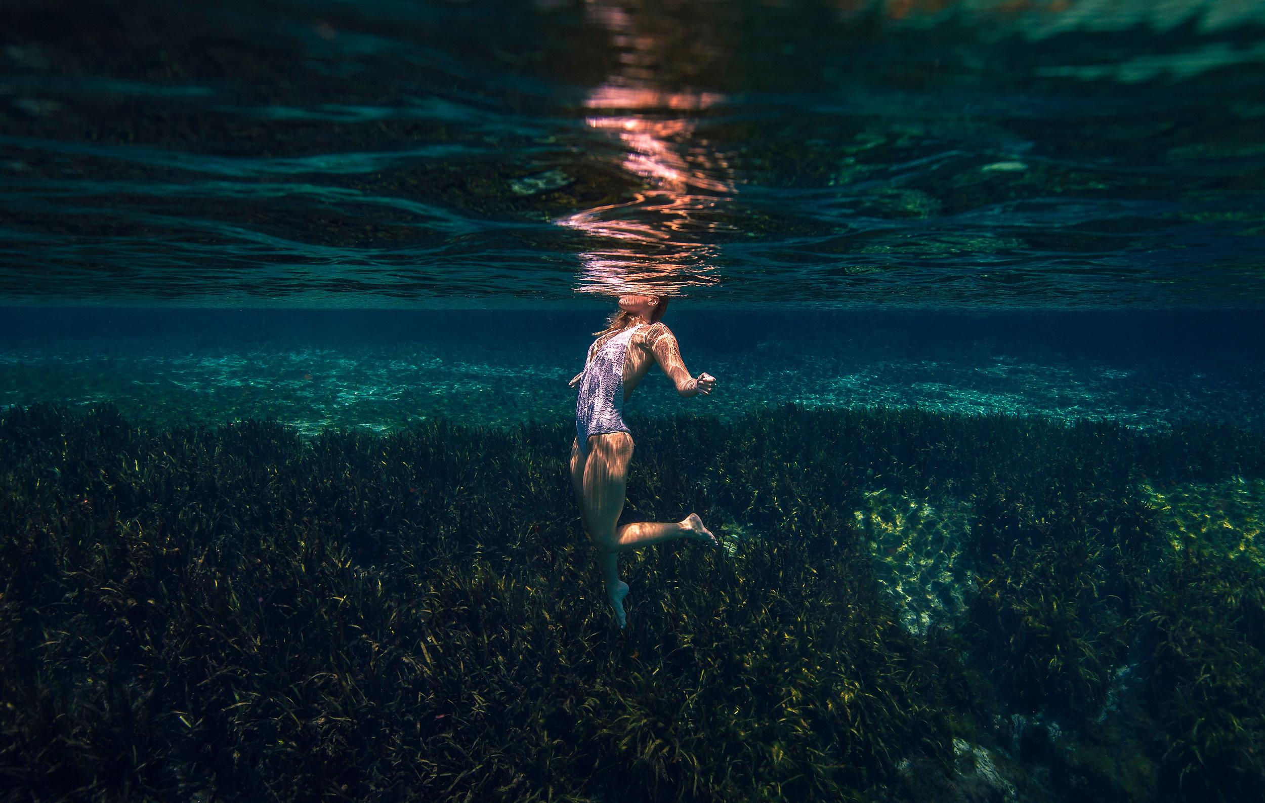 underwater-beauty-editorial-scheffer-photographer